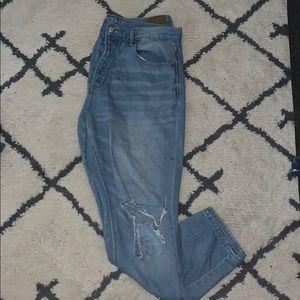 Hi-Rise Girlfriend jeans